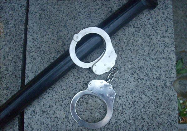 Задържаха криминално проявен, обрал кола в с. Чернооково